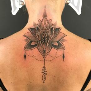 tattooshop, memories, niels, rug, nek, bloem, symmetrie